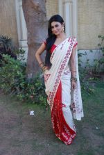 Mouni Roy at life ok new serial devon kedev mahadev shoot in Naigaon on 18th May 2012 (26).JPG