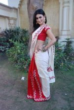 Mouni Roy at life ok new serial devon kedev mahadev shoot in Naigaon on 18th May 2012 (32).JPG