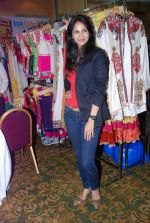 Rupali Suri at Canvas Summer collection by Urvee Adhikari in Mumbai on 19th May 2012 (93).JPG