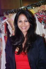 Rupali Suri at Canvas Summer collection by Urvee Adhikari in Mumbai on 19th May 2012 (99).JPG