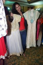 Rupali Suri at Canvas Summer collection by Urvee Adhikari in Mumbai on 19th May 2012 (88).JPG