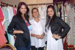 Rupali Suri, Urvee Adhikari at Canvas Summer collection by Urvee Adhikari in Mumbai on 19th May 2012 (124).JPG