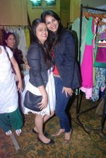 Rupali Suri, Urvee Adhikari at Canvas Summer collection by Urvee Adhikari in Mumbai on 19th May 2012 (133).JPG