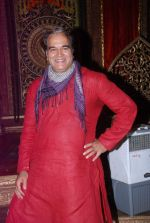 Surendra Pal at life ok new serial devon kedev mahadev shoot in Naigaon on 18th May 2012 (104).JPG