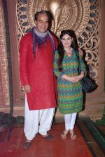 Surendra Pal at life ok new serial devon kedev mahadev shoot in Naigaon on 18th May 2012 (108).JPG