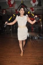 Devshi Khanduri at Physemo Fitness Studios in Kotia Nirman, Behind Fun Republic, Andheri on 18th May 2012 (80).JPG