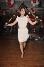 Devshi Khanduri at Physemo Fitness Studios in Kotia Nirman, Behind Fun Republic, Andheri on 18th May 2012 (81).JPG