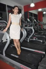 Devshi Khanduri at Physemo Fitness Studios in Kotia Nirman, Behind Fun Republic, Andheri on 18th May 2012 (89).JPG
