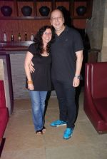 Shernaz Patel, Sohrab Ardeshir at Love Wrinkle Free bash in Shiro, Mumbai on 23rd May 2012 (30).JPG
