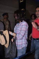 Preity Zinta snapped at the airport on 27th May 2012 (1).JPG
