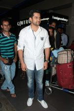 Aftab Shivdasani leave for IIFA to Singapore in International airport on 6th June 2012 (101).JPG