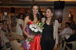 Diana Hayden launches her own book on women_s grooming in Crossword, Juhu, Mumbai on 13th June 2012 (6).JPG