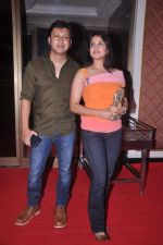 Arjun Punj, Gurdeep Kohli at the Success bash of Rowdy Rathore in Taj Lands End on 15th June 2012 (100).JPG