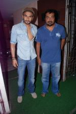 Ranveer Singh, Anurag Kashyap at gangs of wasseypur special screening in Mumbai on 16th June 2012 (88).JPG