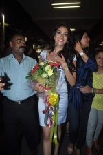 Sushmita Sen with I am She girl Himangini Singh wins Miss Asia Pacific World title and returns to Mumbai in International Airport on 21st June 2012 (45).JPG