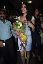 Sushmita Sen with I am She girl Himangini Singh wins Miss Asia Pacific World title and returns to Mumbai in International Airport on 21st June 2012 (46).JPG