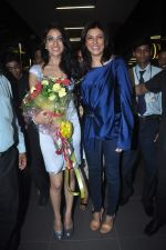 Sushmita Sen with I am She girl Himangini Singh wins Miss Asia Pacific World title and returns to Mumbai in International Airport on 21st June 2012 (48).JPG