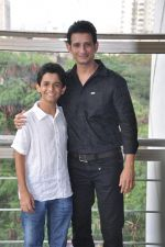 Sharman Joshi,Ritvik Sahore  at Ferrari Ki Sawaari Kids Spl Screening in Mumbai on 24th June 2012 (81).JPG