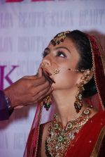 Manasi Parekh Gohil As Showstopper At Beauty Event in Mumbai on 25th June 2012 (31).JPG