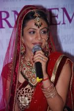 Manasi Parekh Gohil As Showstopper At Beauty Event in Mumbai on 25th June 2012 (36).JPG