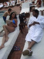 Veena Malik With Hemant Madhukar Romance (7).jpg