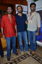 Abhishek Bachchan, Rohit Shetty, Ajay Devgan promote film Bol Bachchan on the sets of Taarak Mehta Ka Ooltah Chashmah in Andheri, Mumbai on 28th June 2012 (96).JPG
