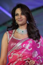 Diana Hayden at Pidilite presents Manish Malhotra, Shaina NC show for CPAA in Mumbai on 1st July 2012 (75).JPG
