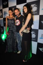 Deepika Padukone, Saif Ali Khan, Diana Penty at the Cocktail bash in Santacruz, Mumbai on 6th July 2012 (134).JPG