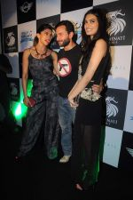 Deepika Padukone, Saif Ali Khan, Diana Penty at the Cocktail bash in Santacruz, Mumbai on 6th July 2012 (138).JPG