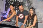 Deepika Padukone, Saif Ali Khan, Diana Penty at the Cocktail bash in Santacruz, Mumbai on 6th July 2012 (67).JPG