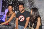 Deepika Padukone, Saif Ali Khan, Diana Penty at the Cocktail bash in Santacruz, Mumbai on 6th July 2012 (68).JPG