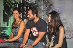 Deepika Padukone, Saif Ali Khan, Diana Penty at the Cocktail bash in Santacruz, Mumbai on 6th July 2012 (72).JPG