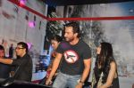 Deepika Padukone, Saif Ali Khan, Diana Penty at the Cocktail bash in Santacruz, Mumbai on 6th July 2012 (78).JPG