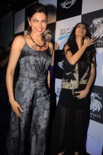 Deepika Padukone,Diana Penty at the Cocktail bash in Santacruz, Mumbai on 6th July 2012 (140).JPG