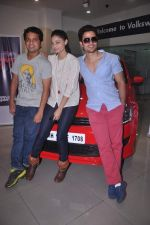Puja Gupta, Kunal Khemu at Go Goa Gone film promotions in association with Volkswagen on 6th July 2012 (21).JPG