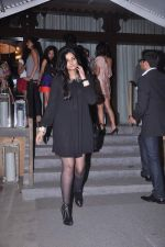 Rhea Kapoor at Ellipsis launch hosted by Arjun Khanna in Mumbai on 6th July 2012 (187).JPG