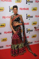 Deepika Padukone at the Red Carpet of _59th !dea Filmfare Awards 2011_ (South) on 8th July at Jawaharlal Nehru indoor stadium, Chennai...jpg