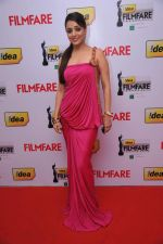 Nisha at the Red Carpet of _59th !dea Filmfare Awards 2011_ (South) on 8th July at Jawaharlal Nehru indoor stadium, Chennai..jpg