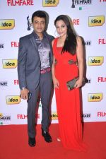 Riyaz Khan (Tamil Actor) with wife at the Red Carpet of _59th !dea Filmfare Awards 2011_ (South) on 8th July at Jawaharlal Nehru indoor stadium, Chennai..jpg