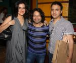 kailash kher with ram sampat and Sona Mahapatra at Kailash Kher_s Birthday Party in Masala Mantar, Mumbai on 9th July 2012.JPG