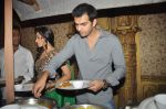 Karan Grover at Yahan Main Ghar Ghar Kheli 700 episodes celebrations in Filmcity, Mumbai on 10th July 2012 (66).JPG