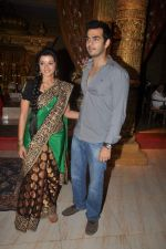 Karan Grover, Suhasi Goradia Dhami at Yahan Main Ghar Ghar Kheli 700 episodes celebrations in Filmcity, Mumbai on 10th July 2012 (92).JPG