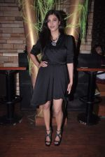 Shruti Hassan at MTV Rush press meet in Red Ant Cafe, Mumbai on 10th July 2012 (24).JPG