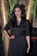 Shruti Hassan at MTV Rush press meet in Red Ant Cafe, Mumbai on 10th July 2012 (28).JPG