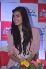 Diana Penty promotes Cocktail in Reliance Digital, Mumbai on 20th July 2012 (33).JPG