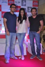 Diana Penty promotes Cocktail in Reliance Digital, Mumbai on 20th July 2012 (49).JPG