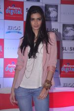 Diana Penty promotes Cocktail in Reliance Digital, Mumbai on 20th July 2012 (58).JPG