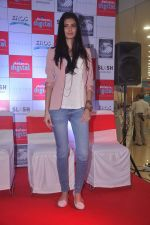 Diana Penty promotes Cocktail in Reliance Digital, Mumbai on 20th July 2012 (59).JPG