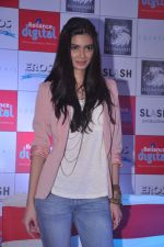 Diana Penty promotes Cocktail in Reliance Digital, Mumbai on 20th July 2012 (69).JPG