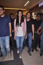 Diana Penty promotes Cocktail in Reliance Digital, Mumbai on 20th July 2012 (74).JPG